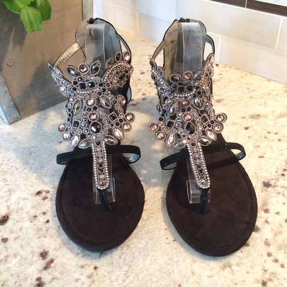 8c2cc85cc8354d MukLuks bling gladiator sandals size 10. M 5ad09b5f8df470bf2098bc76